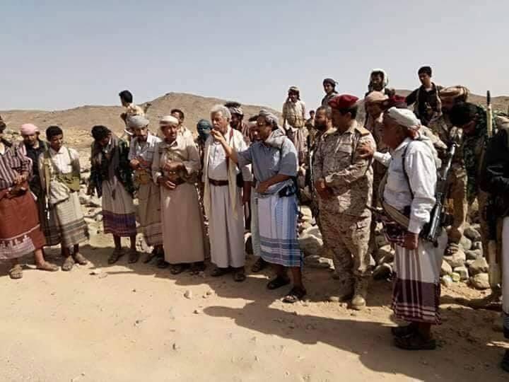 محافظ البيضاء يتفقد قوات الجيش الوطني في مديرية نعمان