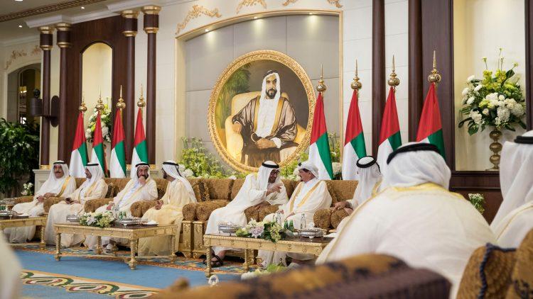 """مغرد يكشف عن عملية انقلاب ناعم في دولة عربية على الطريقة """"البولونيومية"""""""