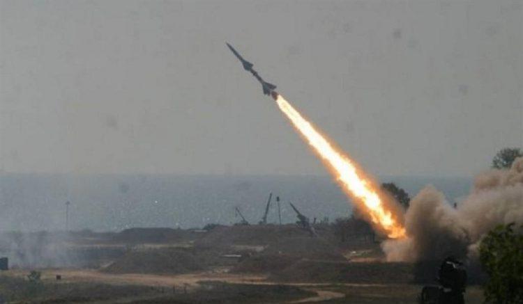 مليشيات الحوثي تطلق صاروخ باليستي باتجاه السعودية .. والتحالف يكشف مكان سقوطه