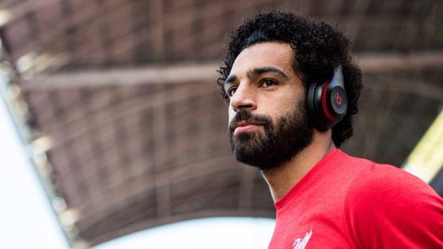 بسبب محمد صلاح .. موجة غضب من الفنانين المصريين ضد اتحاد كرة القدم