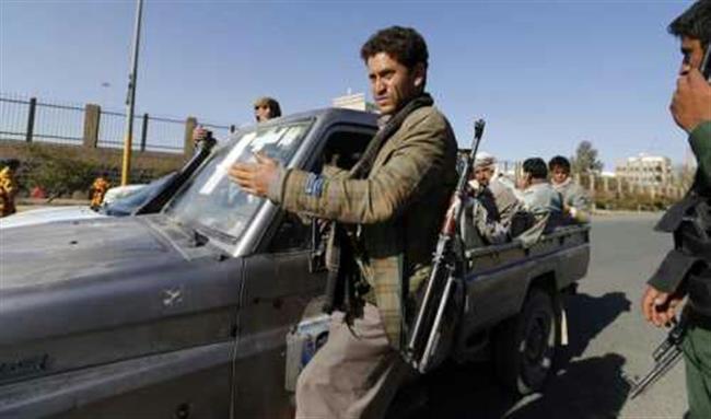 الحديدة.. قيادي حوثي يدهس دراجة نارية ويقتل شخصين في الزيدية