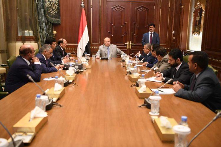 في 3 ساعات .. الرئيس هادي يُفشل مخططاً جديداً لإسقاط شرعيته الدستورية (تفاصيل)