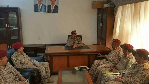 العقيلي يعقد اجتماعا مع قادة عسكريين في المنطقة العسكرية الرابعة ويثمن تضحيات قوات الجيش