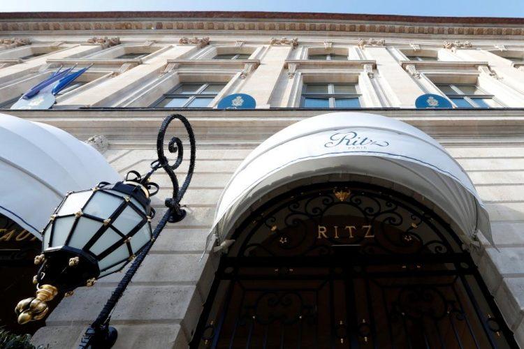 """باريس: سعودية تتعرض لسرقة مجوهرات بقيمة 800 ألف يورو من جناحها في """"الريتز"""""""