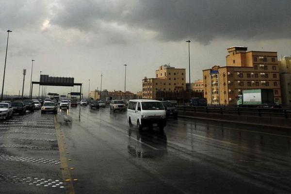 الأرصاد تحذر من تقلبات جوية وهطول أمطار رعدية على ساحل حضرموت
