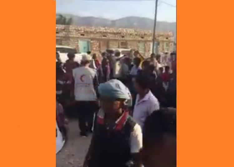 سقطرى: شاهد بالفيديو.. مندوب الهلال الأحمر الإماراتي يستغل براءة الاطفال في التحريض ضد المكونات السياسية اليمنية