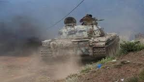 مدفعية الجيش تستهدف تعزيزات لمليشيا الحوثي في جبهة مقبنة غرب تعز