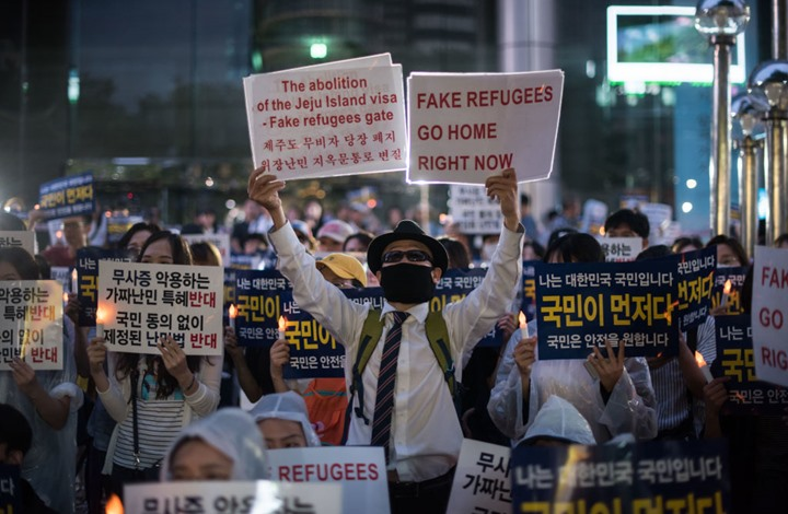 صحيفة أمريكية تكشف وضع اللاجئين اليمنيين بكوريا الجنوبية