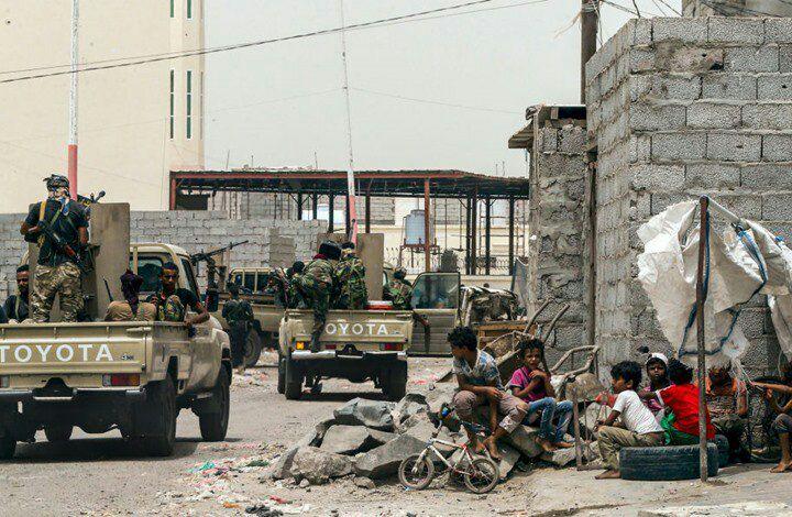 تحركات عسكرية في عدن من قبل قوات إنفصالية تدعمها الإمارات بهدف السيطرة على مؤسسات الدولة