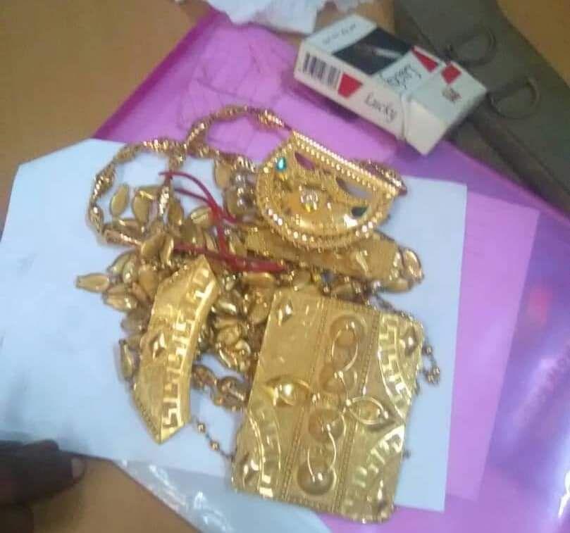 أجهزة الأمن في عدن تلقي القبض على عصابة سرقت ذهبا بقيمة 15مليون من محافظة المهرة