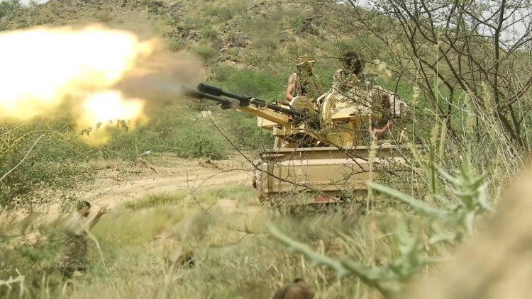 قوات الجيش الوطني تستهدف رتل عسكري لمليشيا الحوثي في البقع بصعدة