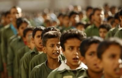 لأجل نشر أفكارها الطائفية.. مليشيا الحوثي تدشن حملة محاضرات في مدارس صنعاء