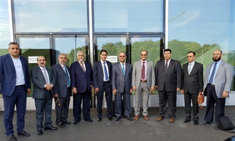 الشرعية والحوثيون يوقعون اتفاق تبادل شامل للمعتقلين.. مصدر حكومي يعلن استكمال الترتيبات الخاصة بالمشاورات