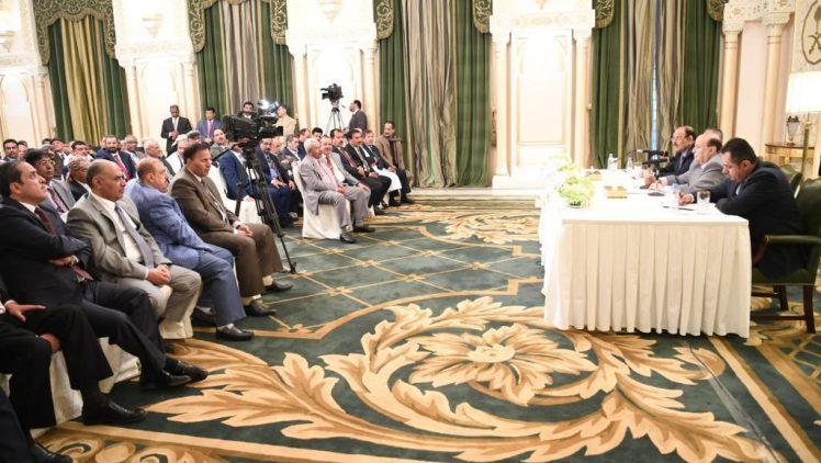 ميدل إيست مونيتور: الرئيس هادي يلتقي اليوم مجدداً أعضاء مجلس النواب لانتخاب رئيس جديد بدلاً عن (الراعي)