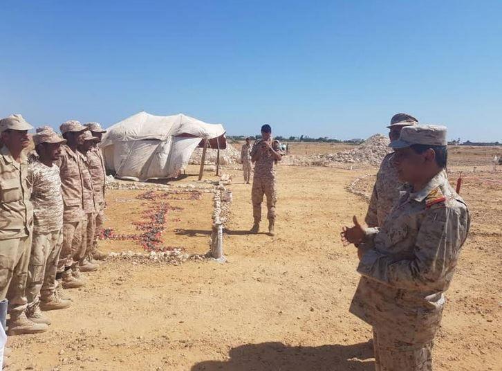 العسكرية الثانية تغلق طريقا رئيسيا وترجع السبب لدواع أمنية