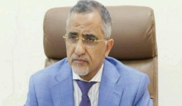 بعد وصوله عدن.. زمام يعلن بدء الأعمال التمهيدية لإنشاء مركز عدن المالي
