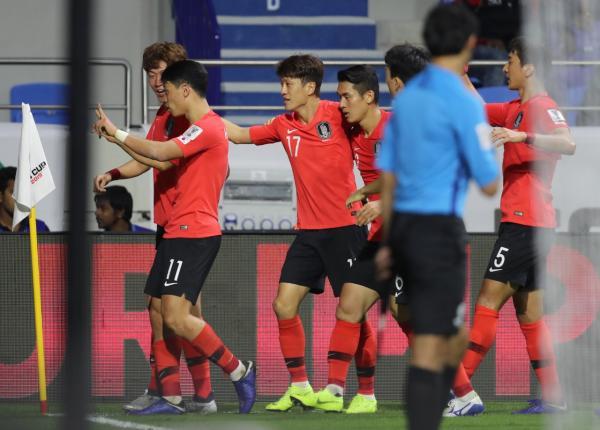 كوريا الجنوبية تستهل مشوارها في كأس الأمم الآسيوية بالفوز على الفلبين