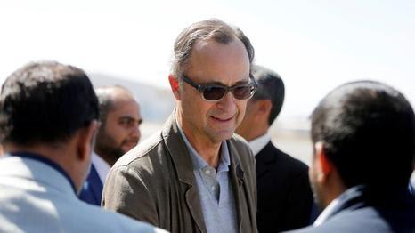 نجاة رئيس الفريق الأممي الجنرال باتريك وممثلوا الحكومة من قصف للحوثيين