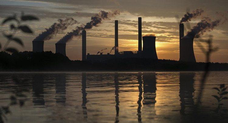 ارتفاع معدل الانبعاثات الكربونية بأميركا في 2018 بسبب نمو الصناعة والطلب على الوقود