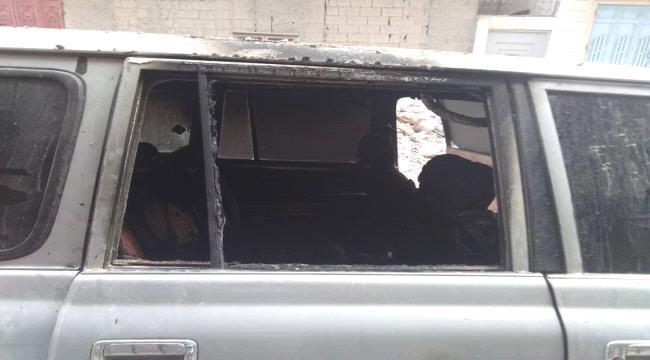 مجهولون يحرقون سيارة مسؤول في مكتب الرئاسة