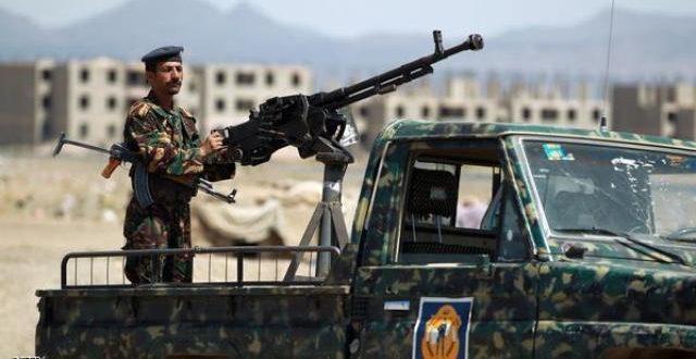 قوات الجيش في تعز تلقي القبض على سماسرة للحوثيين يقومون باستقطاب أطفال قصر إلى جبهات الحدود