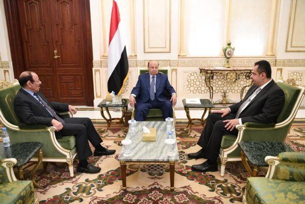 """الرئيس هادي ونائبه ورئيس الحكومة يعزون في استشهاد رئيس هيئة الاستخبارات """"طماح"""""""