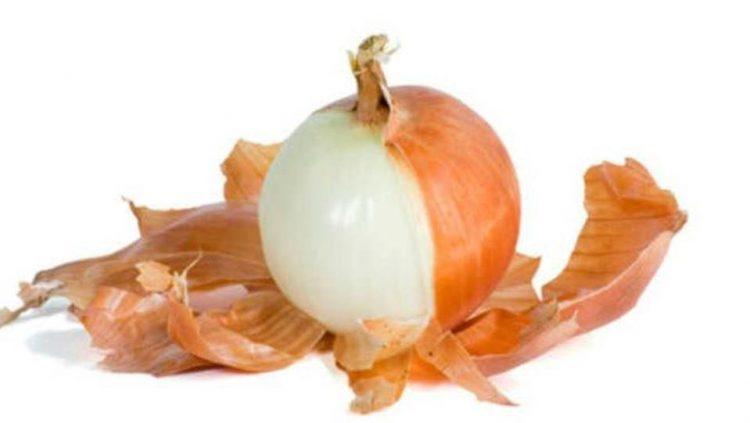 قشور البصل.. 7 فوائد تجعلك لا ترمي بها بعد اليوم