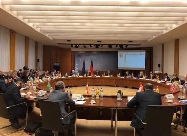 أعلنت تحفظها على إجتماع برلين.. الحكومة اليمنية تصف الإجتماع بـ«التجاوز المؤسف الذي لا يمكن تجاهله»