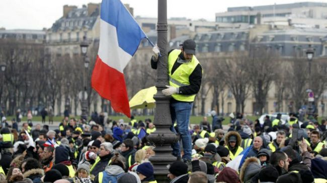 السترات الصفراء تواصل تظاهراتها للأسبوع العاشر في فرنسا