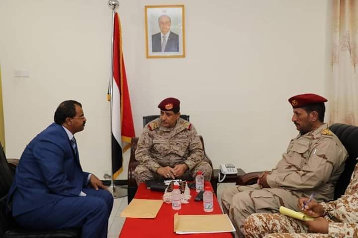 التقى محافظ البيضاء.. رئيس الاركان يؤكد على اهمية استكمال تحرير محافظة البيضاء من المليشيا
