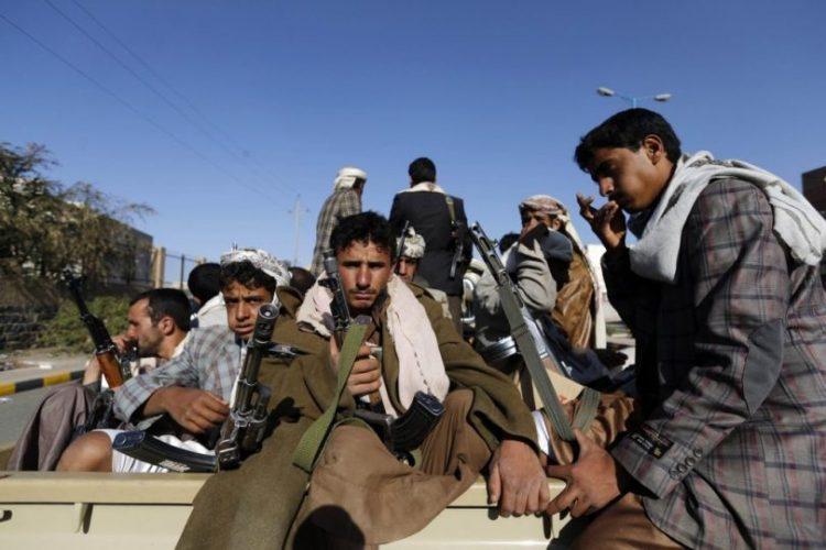 مليشيات الحوثي تنقل معتقلين سجن البحث الجنائي بصنعاء إلى أماكن مجهولة