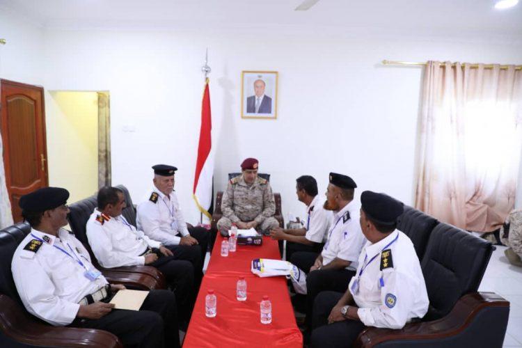رئيس الأركان يعقد اجتماعا للقوات البحرية في عدن ويناقش جاهزية القوات واستكمال بنائها