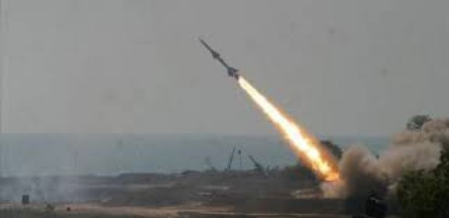 بعد فشل إطلاقه.. صاروخ باليستي يتسبب في مقتل وجرح عدد من الحوثيين والمدنيين في إب