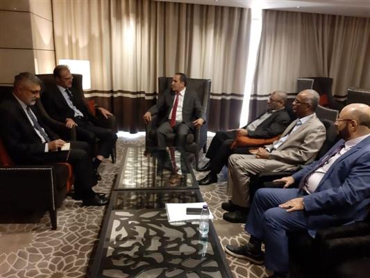 كتلة حزب الاصلاح البرلمانية تلتقي السفير الفرنسي وتشيد بدور بلاده باليمن