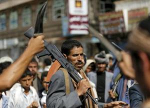 سيتم تنفيذه على ثلاث مراحل.. قيادي حوثي يعلن توصله لاتفاق مع الشرعية