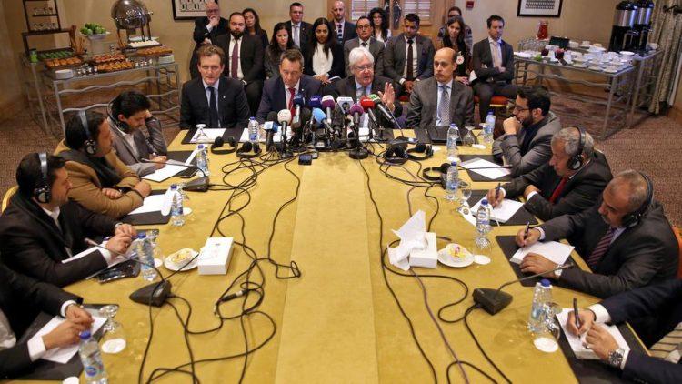 الإتفاق على قائمة أولية لتبادل الأسرى.. مسؤول يمني يكشف عن العديد المتفق عليه