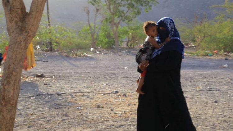 خلال ثمانية أشهر.. نزوح أكثر من 174 ألف عائلة من الحديدة بسبب المعارك