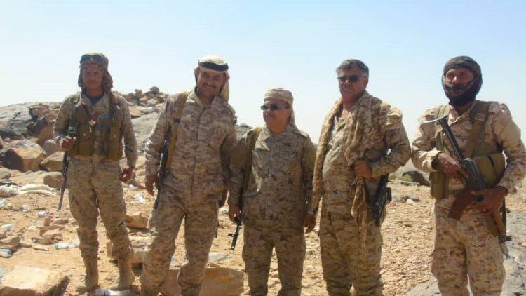 اللواء عادل القميري يتفقد وحدات الجيش في جبهة قانية بالبيضاء