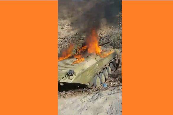 قبائل حجور تتصدى لهجوم الحوثيين وتحرق دبابة بعد اسر طاقمها