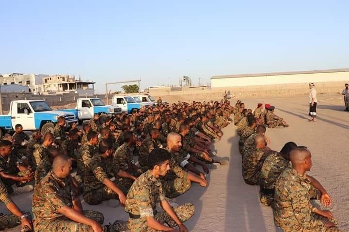 عاجل.. قوات من الحرس الرئاسي تبدأ حملة امنية ضد الخارجين عن القانون في دار سعد بعدن