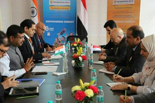أول دولة تعلن رغبتها في استيراد غاز ونفط اليمن.. الحكومة تخطط لنقلة اقتصادية جديدة