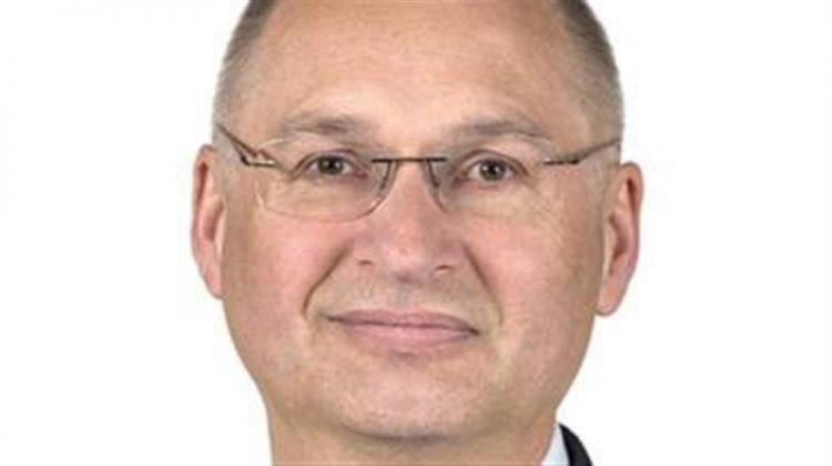 """بعد سرقته """"ساندويتش"""".. نائب في البرلمان السلوفيني يستقيل من منصبه"""