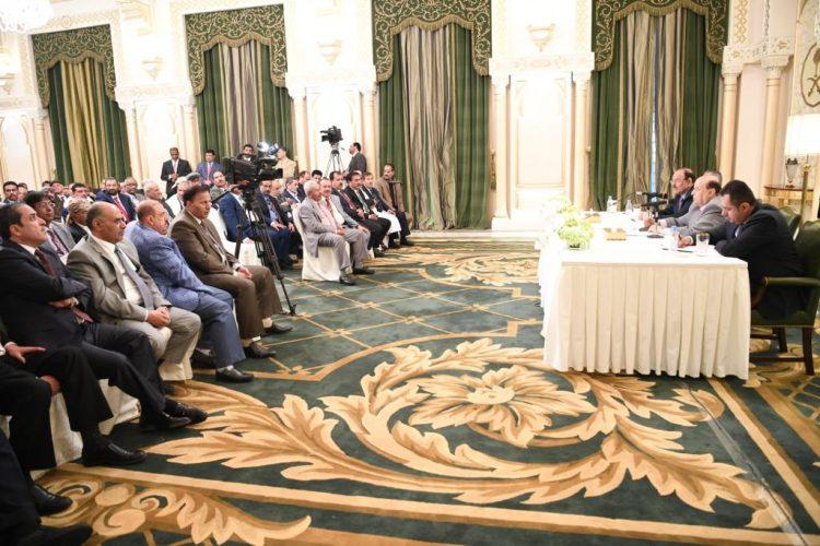 النصاب المطلوب للانعقاد يتطلب حضور 137 عضوا.. صحيفة: 140 عضواً تأكد حضورهم الجلسة الأولى للبرلمان اليمني بحضرموت