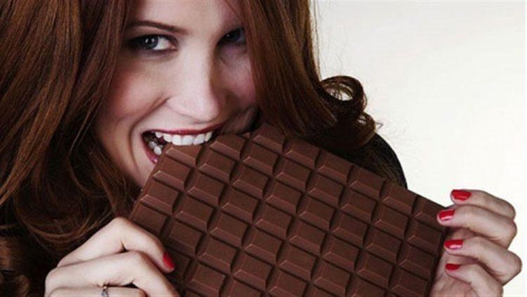 """للتقليل من احتمال الإصابة باضطرابات القلب تناول الشوكولاته """"دراسة"""""""
