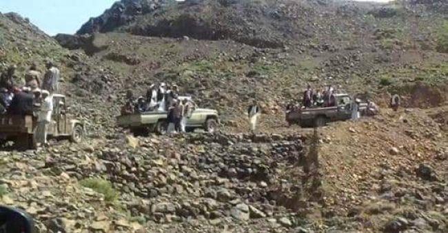 لمحاولتهم التجنيد بالقوة.. إشتباكات لليوم الثالث على التوالي بين المليشيا والقبائل في إب