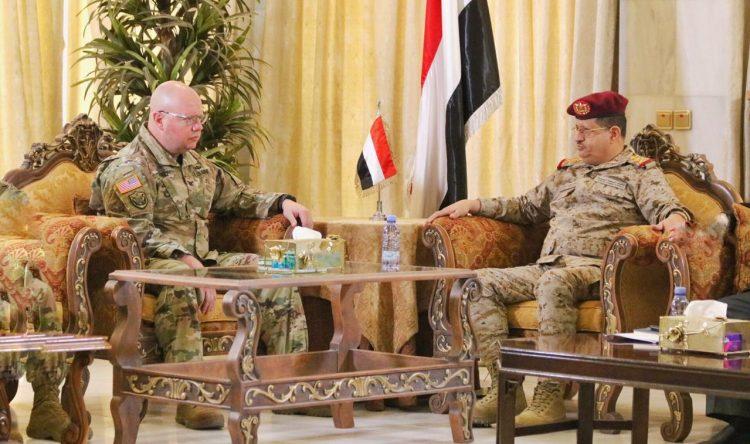 خلال لقائه الملحق العسكري الأمريكي لدى اليمن.. المقدشي يبحث الجهود المبذولة في مكافحة الإرهاب