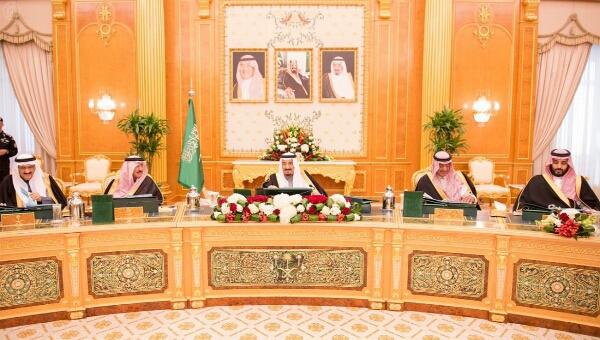الملك سلمان يجدد التزام المملكة تجاه اليمن وسعيها لدعم الجوانب الإنسانية والاقتصادية