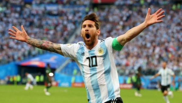 لأول مرة منذ كأس العالم.. ميسي يعود لتشكيلة الأرجنتين