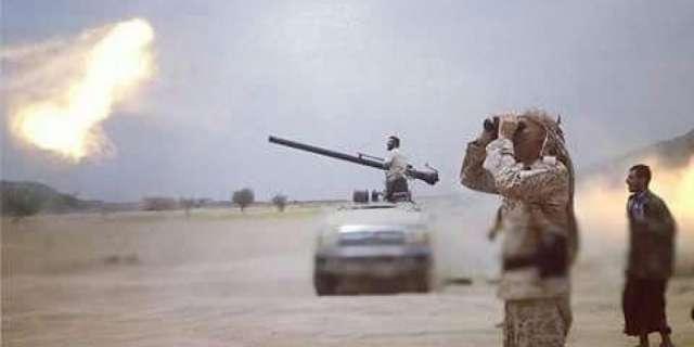 الجيش الوطني يستهدف بالمدفعية مواقع مليشيا الحوثي في خب الشعف بالجوف