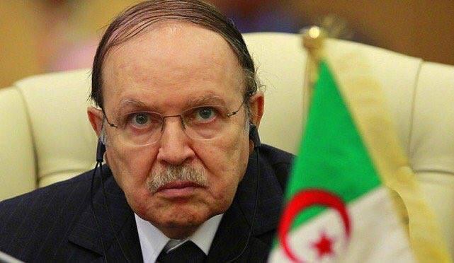 """عاجل.. الرئيس الجزائري """"بوتفليقة"""" يعلن عدم ترشحه لعهدة خامسة ويقرر تأجيل الانتخابات"""